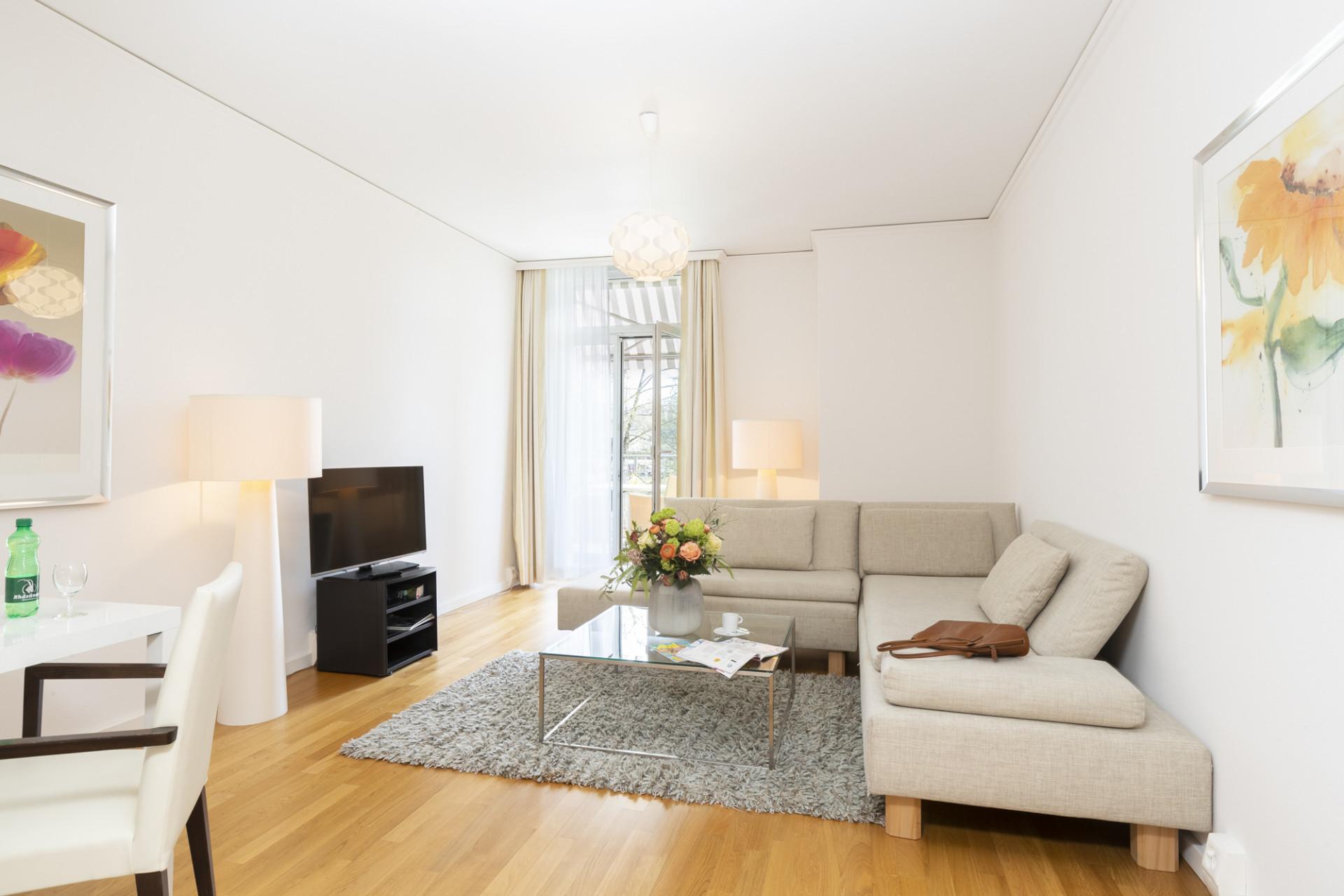 Wohnzimmer einer Junior-Suite im Park-Hotel am Rhein