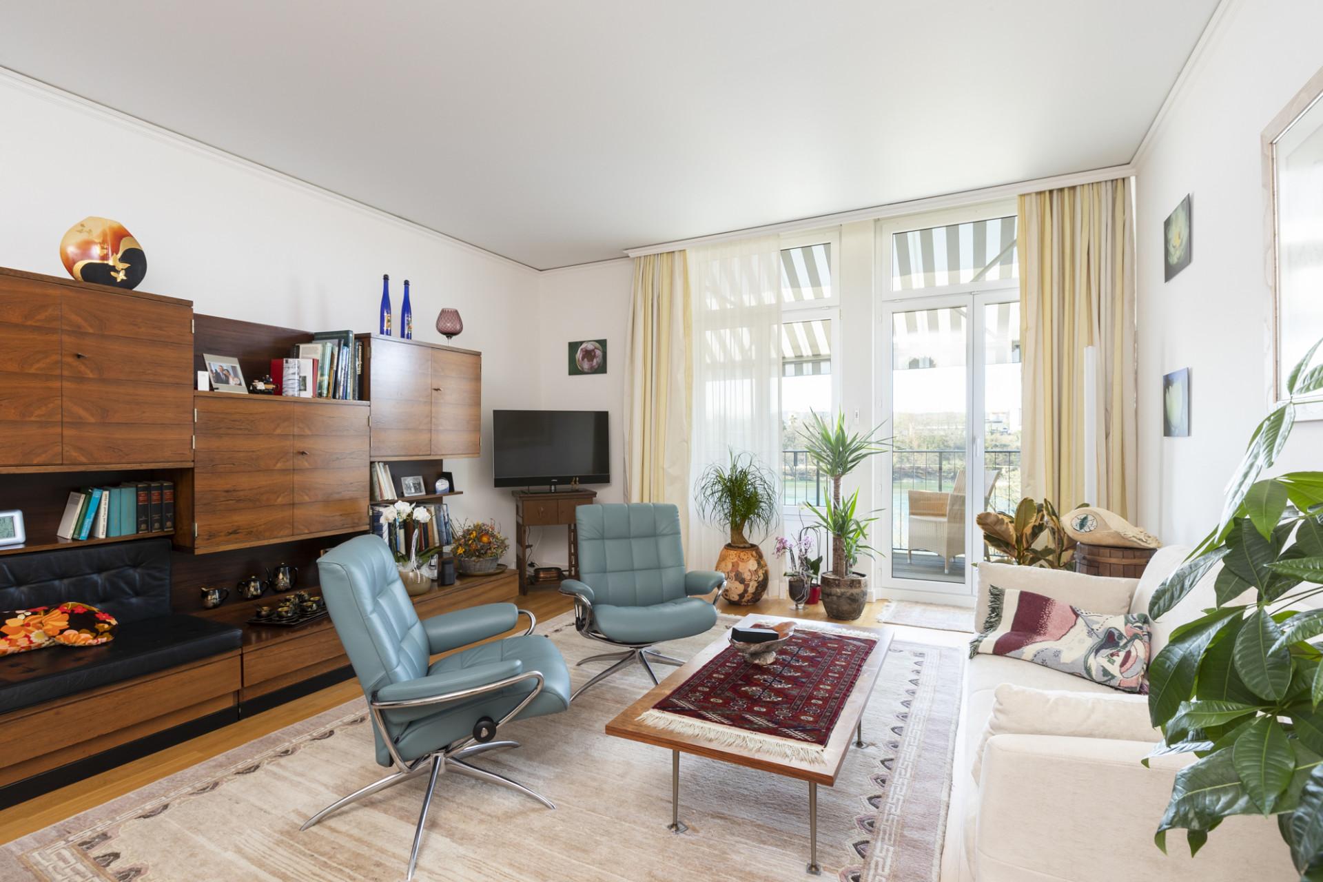 Wohnzimmer einer bewohnten Residenz im Alt